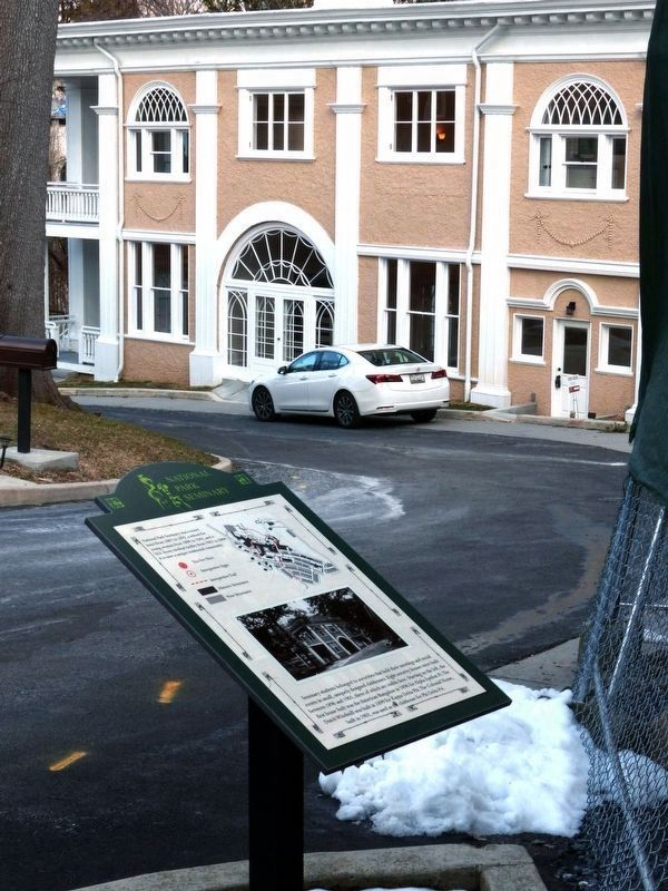 Marker & Colonial Gatehouse image. Click for full size.