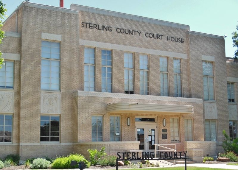 Sterling County Courthouse (<i>adjancent to west side of the Jail</i>) image. Click for full size.
