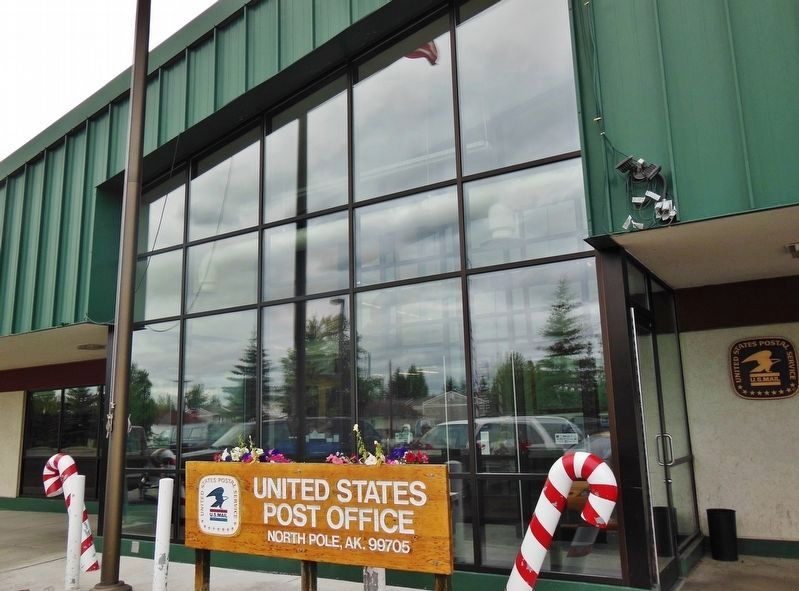United States Post Office, North Pole, Alaska image. Click for full size.