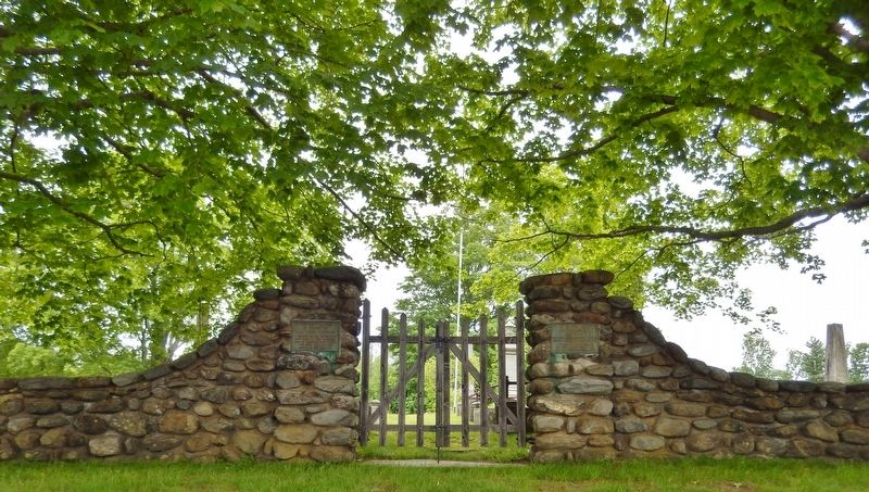 Old Center Cemetery Entrance Gate (<i>Major John Simpson plaque on right post</i>) image. Click for full size.
