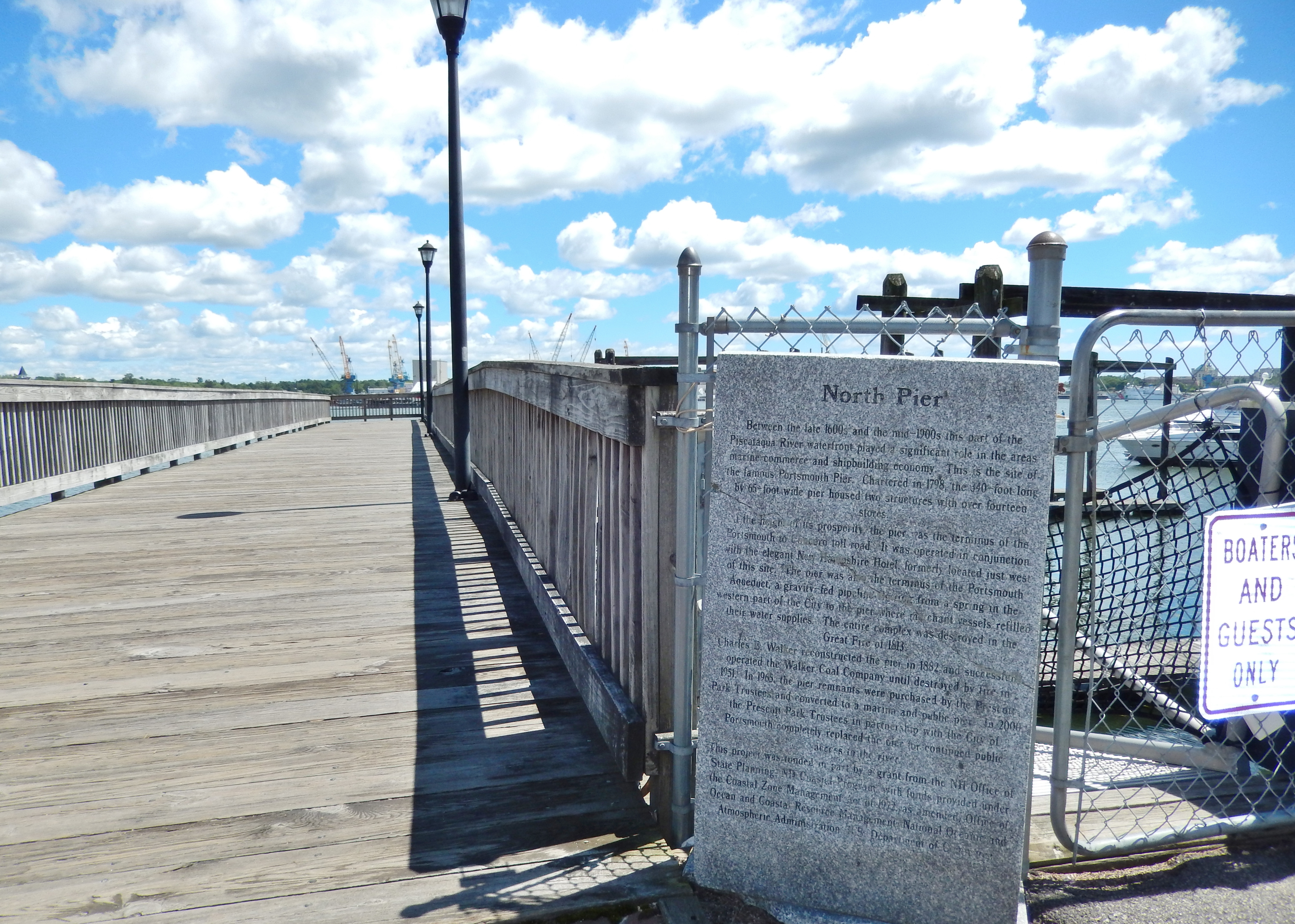 North Pier Marker (<i>wide view</i>)