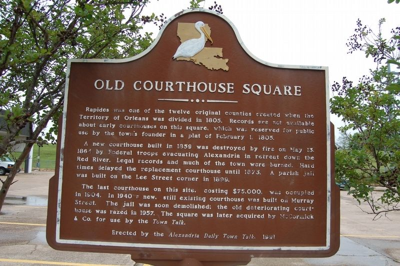 Alexandria Daily Town Talk / Old Courthouse Square Marker image. Click for full size.
