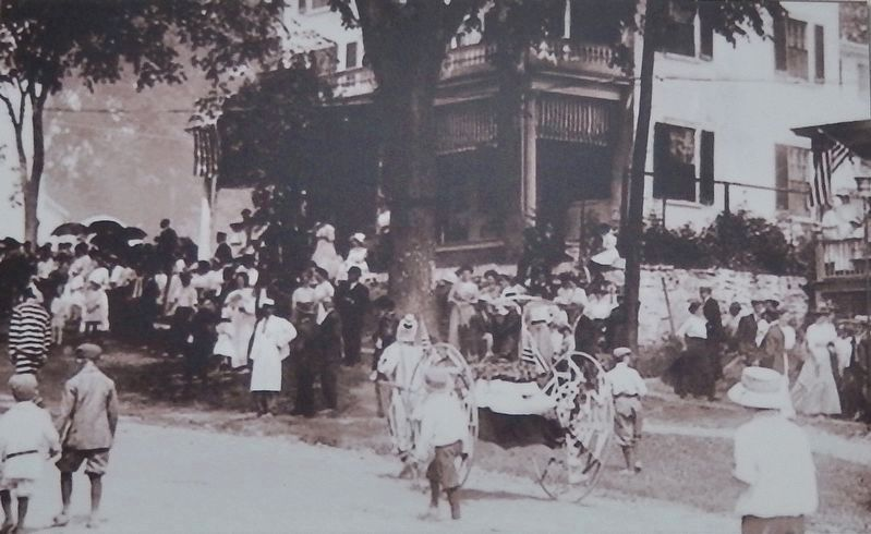 Marker detail: Fourth of July parade at the Sortwell House. image. Click for full size.