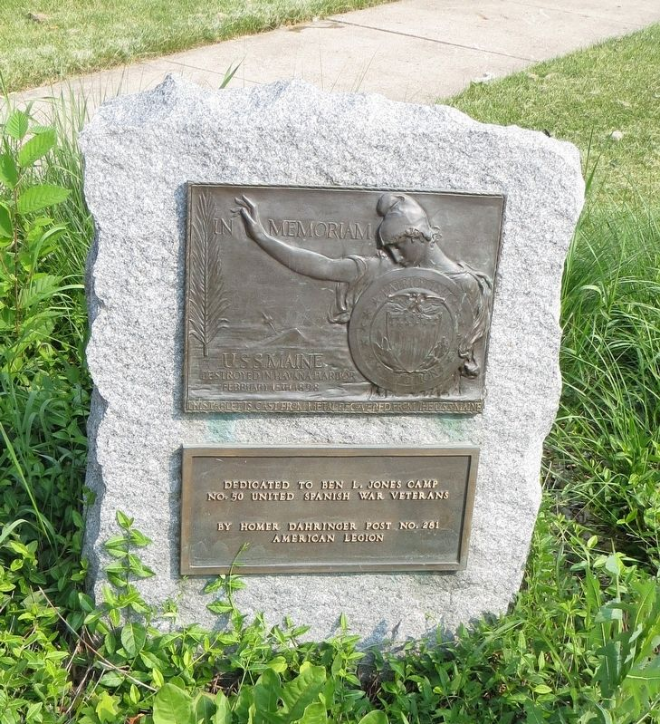 Waukegan U.S.S. Maine Memorial Marker image. Click for full size.