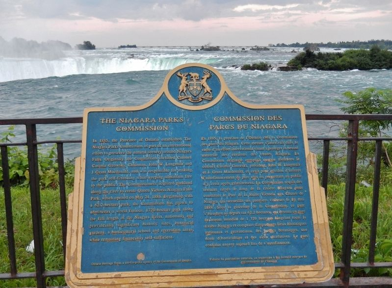 The Niagara Parks Commission Marker (<i>wide view; Horseshoe Falls in background</i>) image. Click for full size.