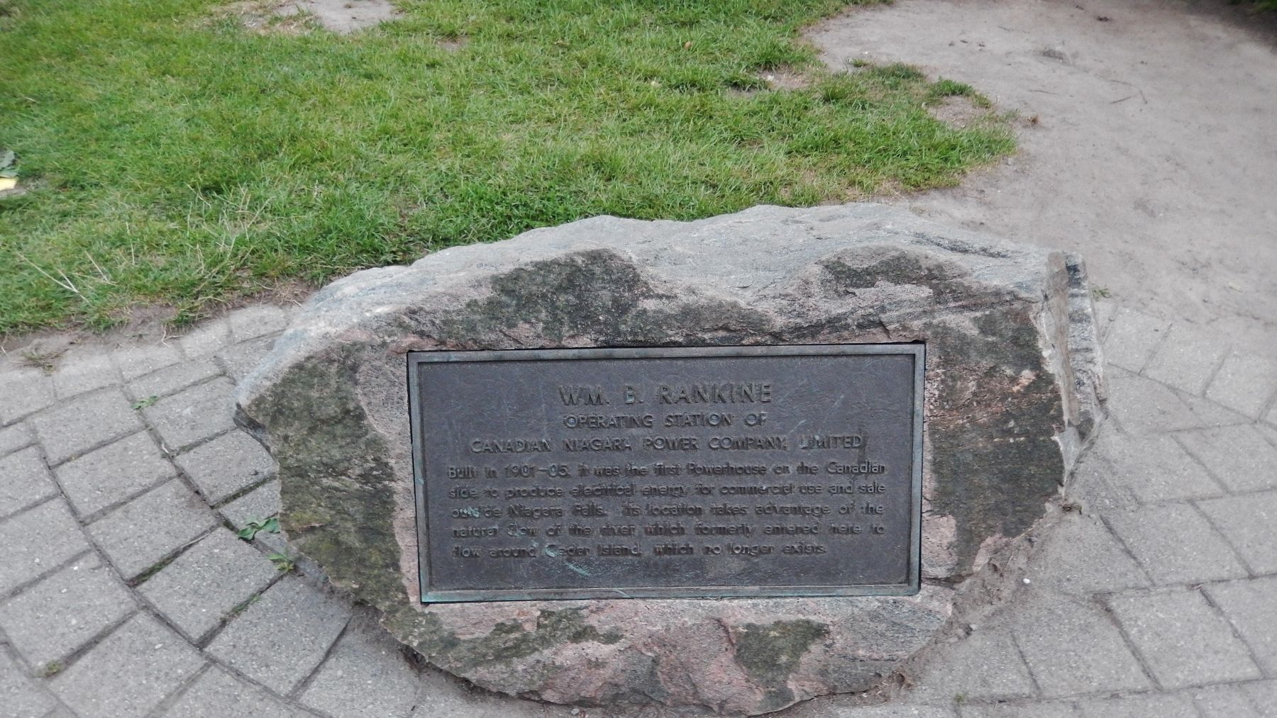 Wm. B. Rankine Marker (<i>wide view</i>) image. Click for full size.