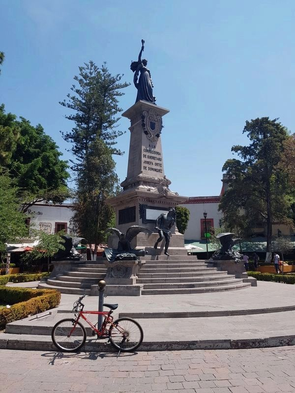 "Monument Dedicated to ""La Corregidora"" Marker now removed image. Click for full size."