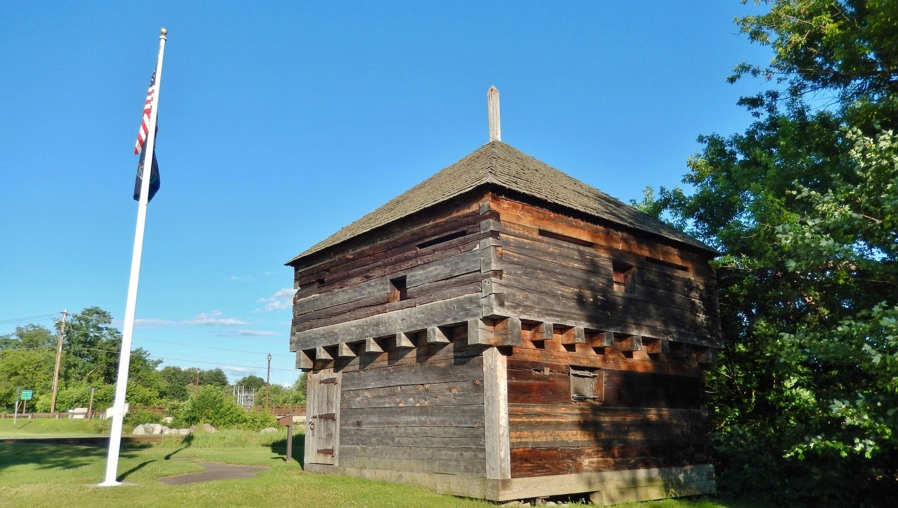 Fort Halifax Blockhouse image. Click for full size.