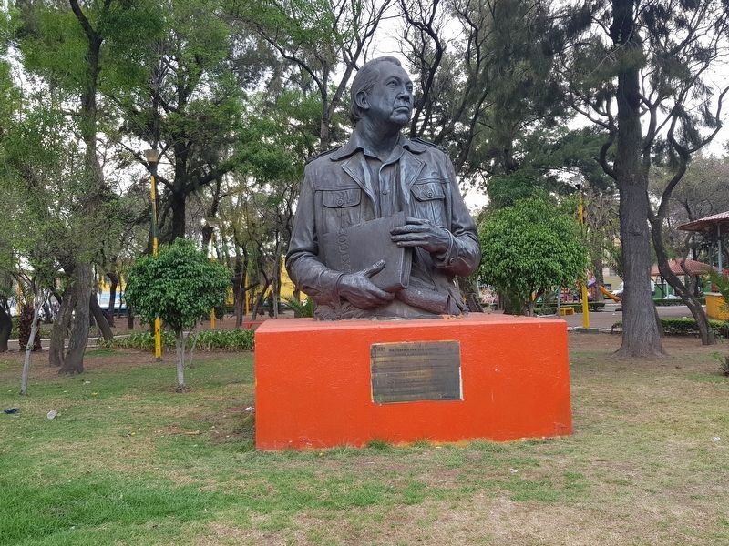 Heberto Castillo Martínez Marker and statue image. Click for full size.