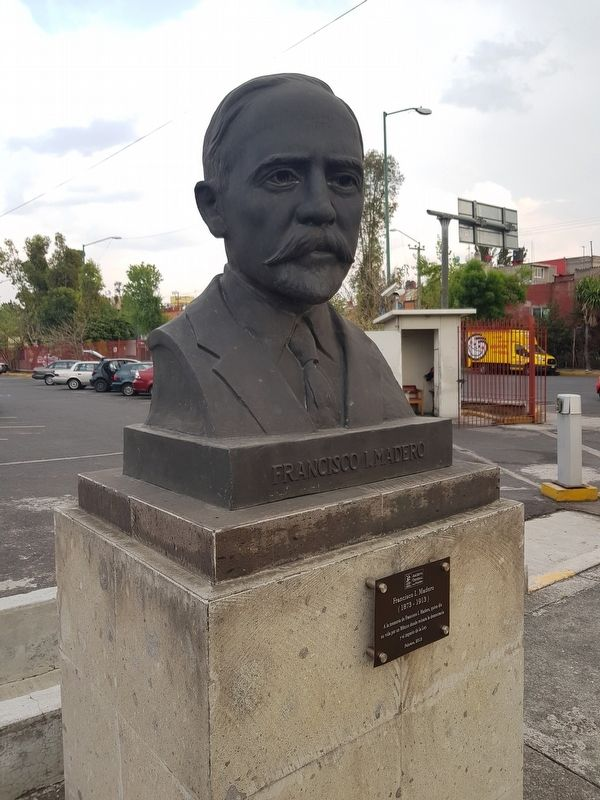 Francisco I. Madero bust image. Click for full size.