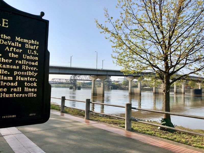 View towards Little Rock and the Main Street Bridge. image. Click for full size.