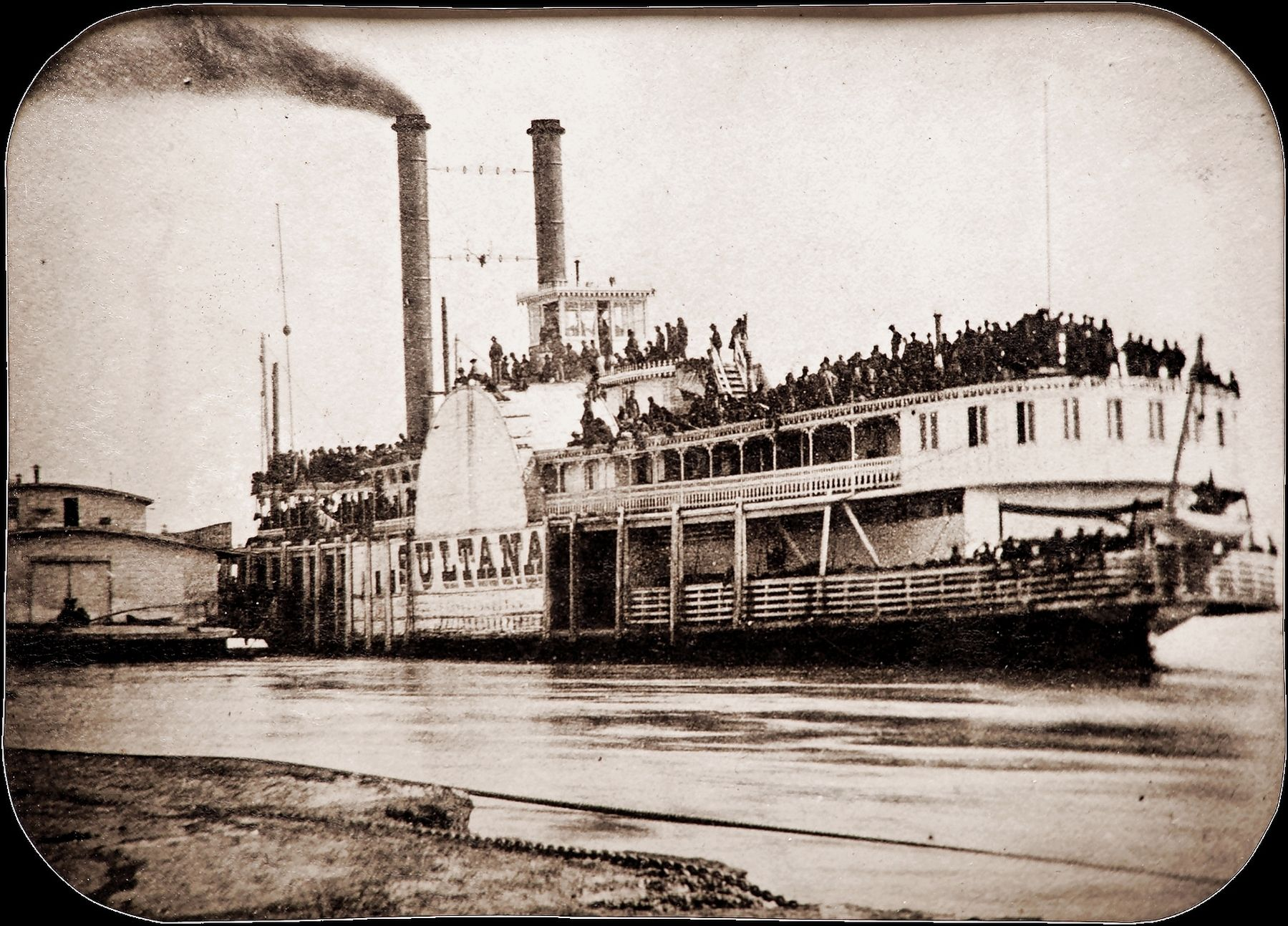 Photo of the Sultana taken at Helena, Arkansas, on April 26, 1865, a day before she was destroyed. image. Click for full size.