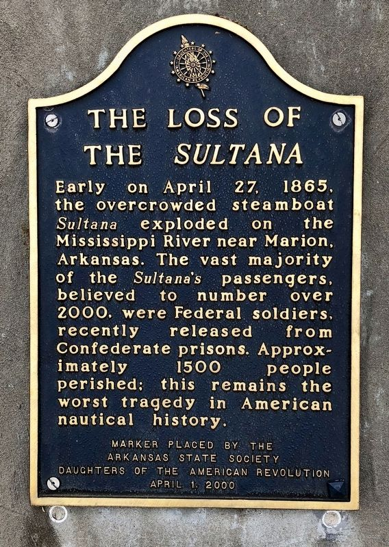 Another marker about the <i>Sultana</i>, next to this one. image. Click for full size.
