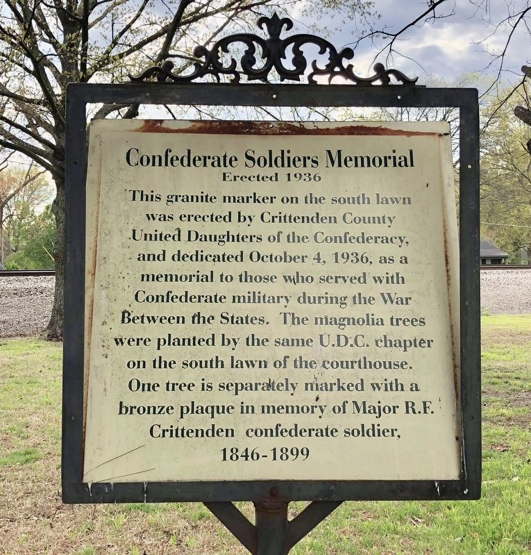Confederate Soldier's Memorial walking trail sign. image. Click for full size.