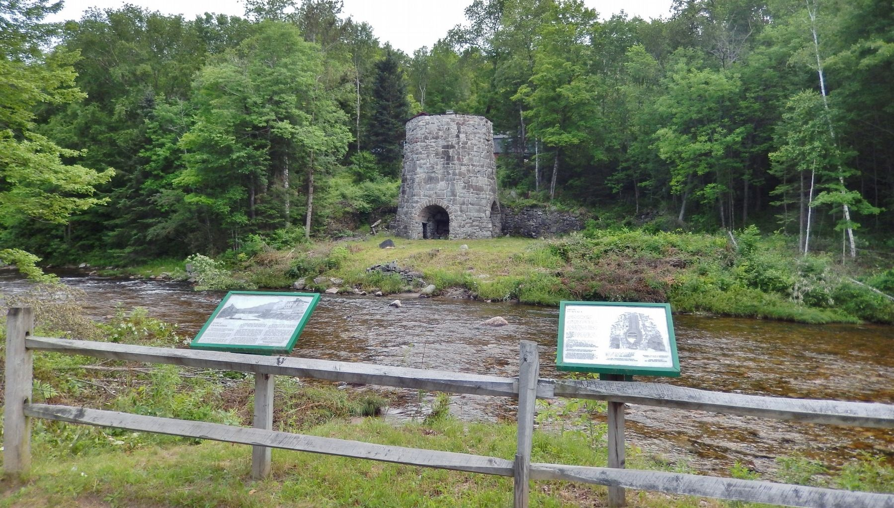 Iron Furnace Marker (<i>wide view; related marker visible on left</i>) image. Click for full size.