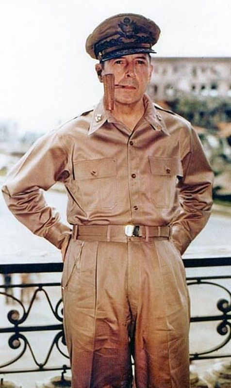 Douglas MacArthur image. Click for full size.