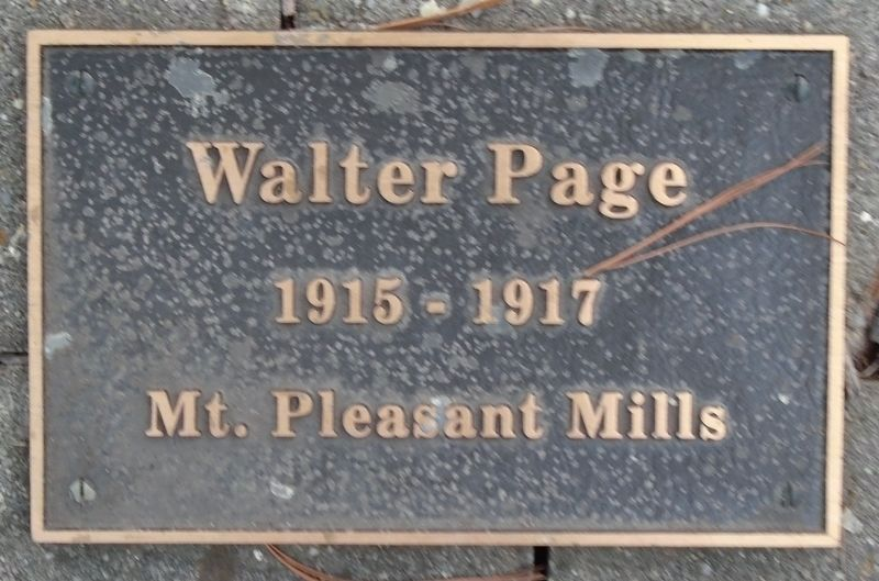 War Hero Memorial Pinery Page Marker image. Click for full size.