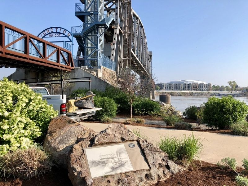 Smaller Rock, Big Bridge Marker looking at the Junction Bridge. image. Click for full size.