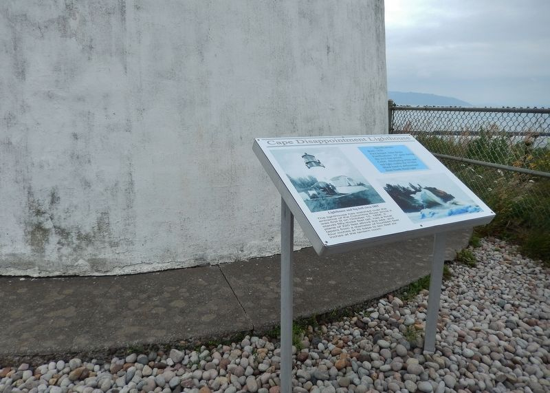 Cape Disappointment Lighthouse Marker (<i>wide view; marker located at base of lighthouse</i>) image. Click for full size.