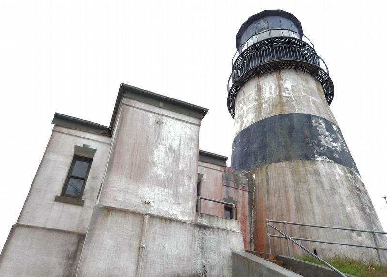 Cape Disappointment Lighthouse (<i>entrance view</i>) image. Click for full size.