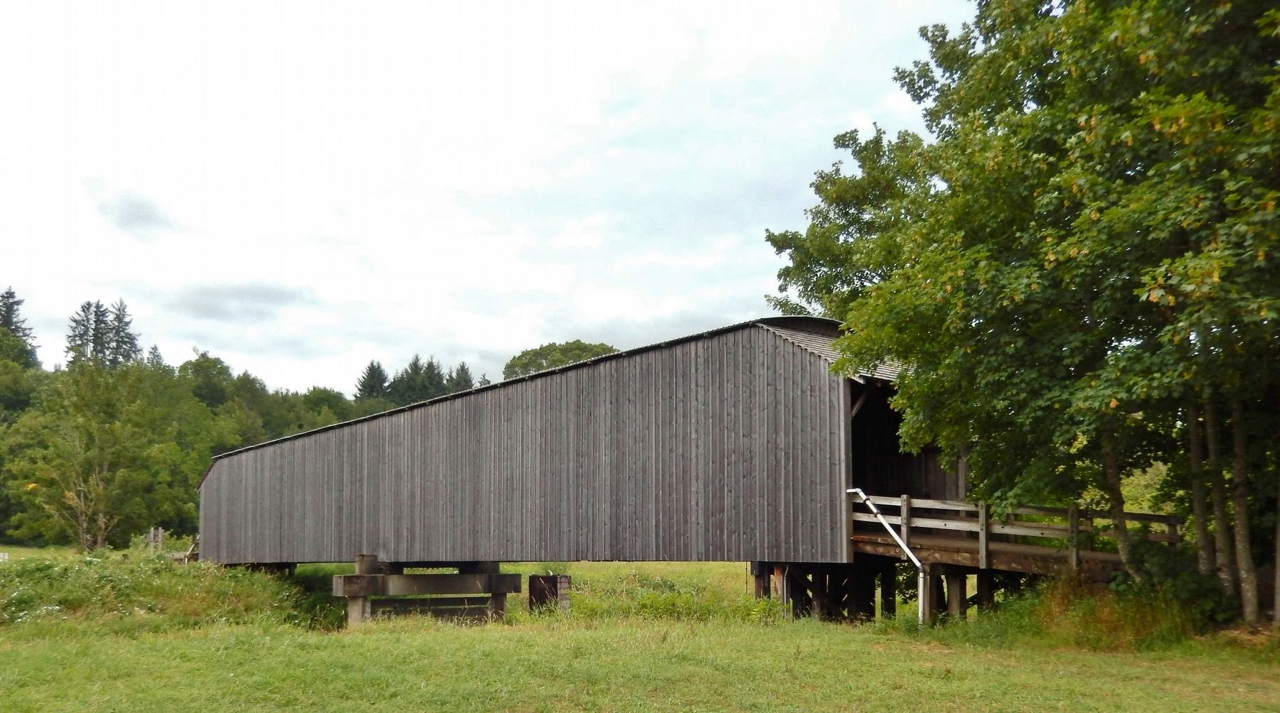 Grays River Covered Bridge (<i>view from Ahlberg Park marker</i>) image. Click for full size.