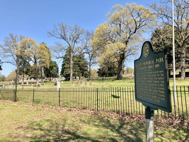 Augusta Memorial Park & marker. image. Click for full size.
