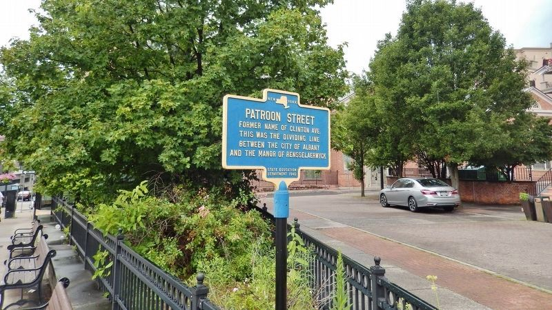 Patroon Street Marker (<i>wide view; looking south across Clinton Square plaza</i>) image. Click for full size.