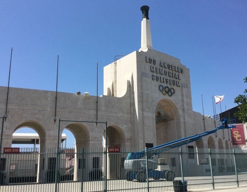 Los Angeles Memorial Coliseum image. Click for full size.