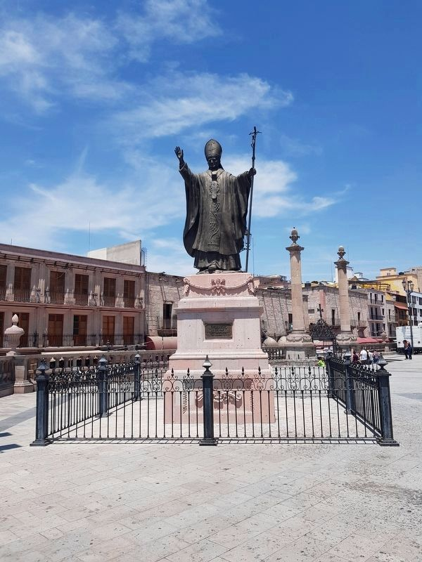 Pope John Paul II's Visit to San Juan de Lagos Marker and Statue image. Click for full size.