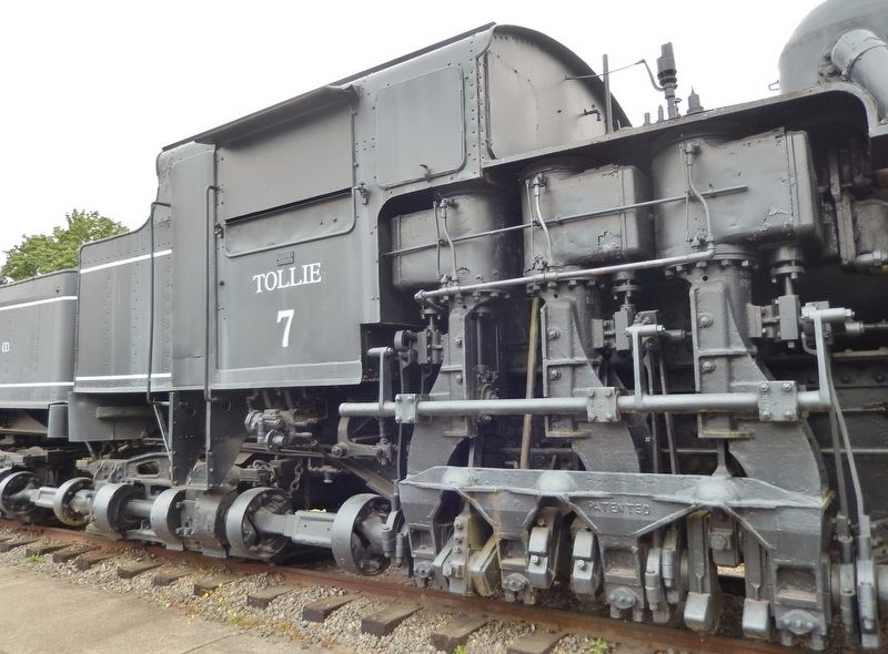 Simpson Logging Company Shay Locomotive #7 (<i>gear detail</i>) image. Click for full size.