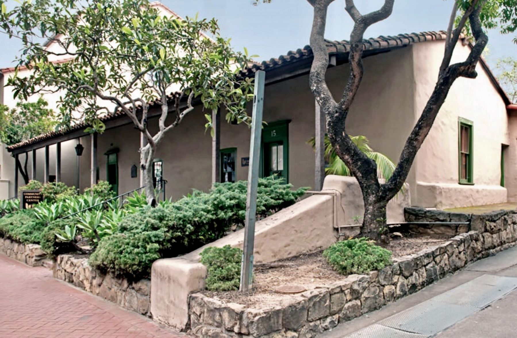 Hill-Carrillo Adobe Building image. Click for full size.