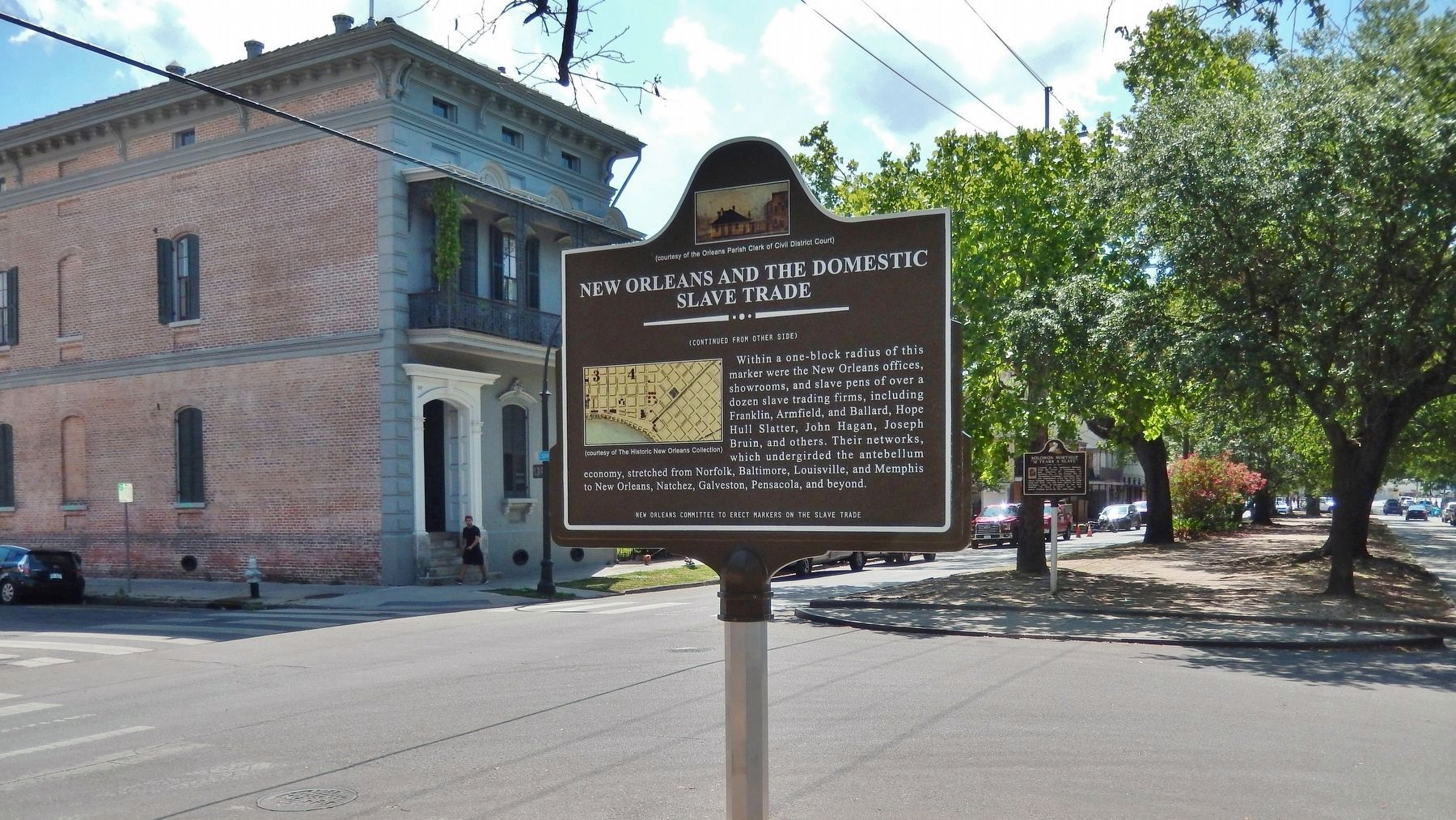 Domestic Slave Trade Marker (<i>back side; wide view; Esplanade Ave northbound in background</i>) image. Click for full size.