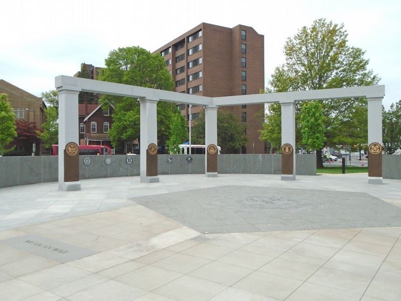 Connecticut State Veterans Memorial image. Click for full size.