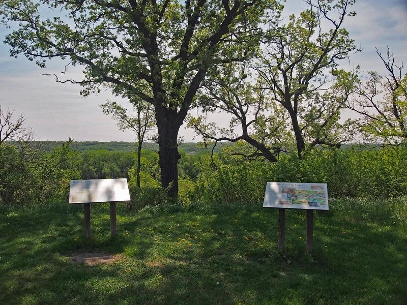 Dakota Life (left) and Minnesota River Valley (right) markers image. Click for full size.