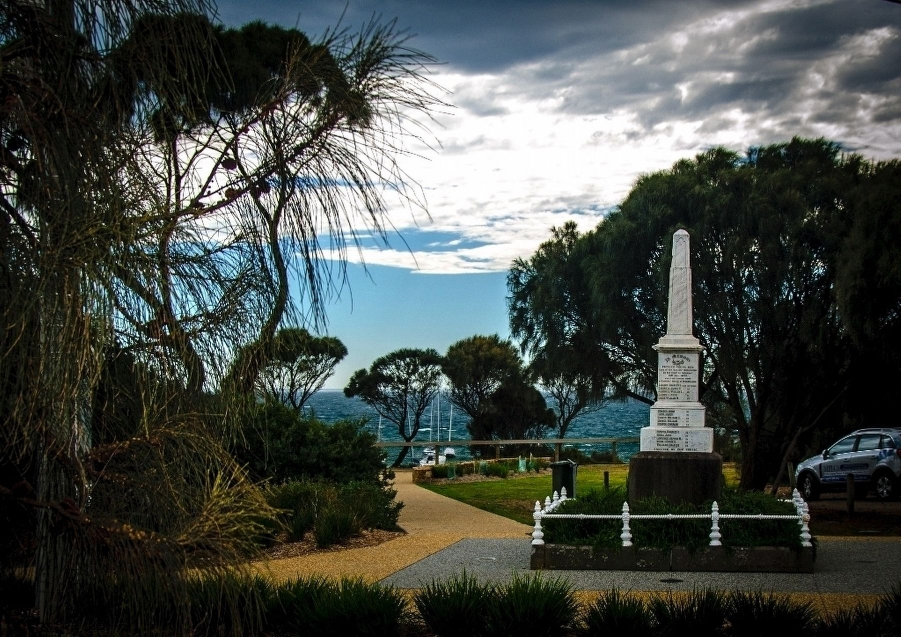 Monument to Drowned Young Men of Mornington. image. Click for full size.