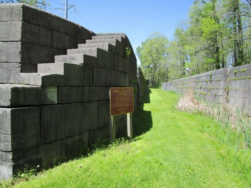 Enlarged Erie Canal Lock 60 & Marker image. Click for full size.
