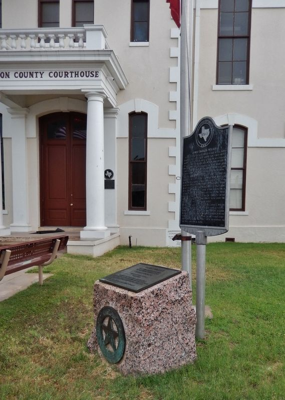 Wilson County Marker (<i>tall view; Wilson County Courthouse behind; related marker beside</i>) image. Click for full size.