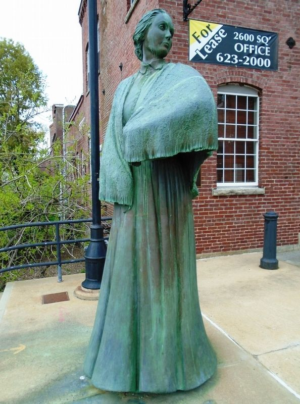 The Mill Girl Sculpture image. Click for full size.
