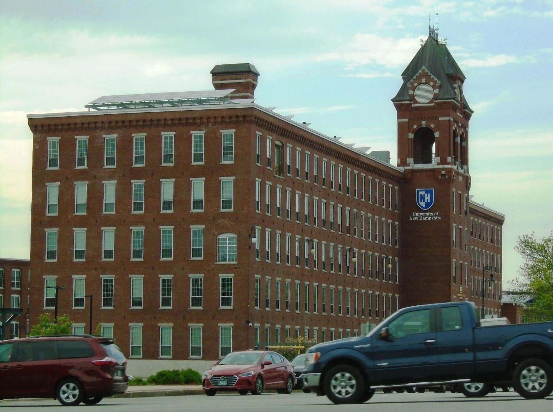 The Former Pandora Mill Building, part of the Amoskeag Mill Complex image. Click for full size.