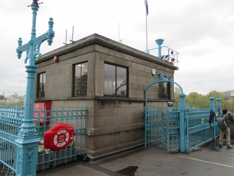Tower Bridge Control Cabin image. Click for full size.