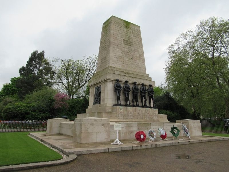 Guards Division Memorial image. Click for full size.