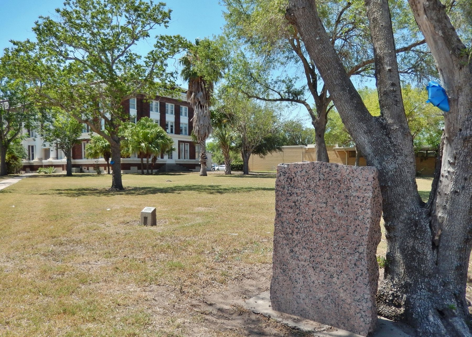 Willacy County Marker (<i>wide view; Willacy County Courthouse in background</i>) image. Click for full size.
