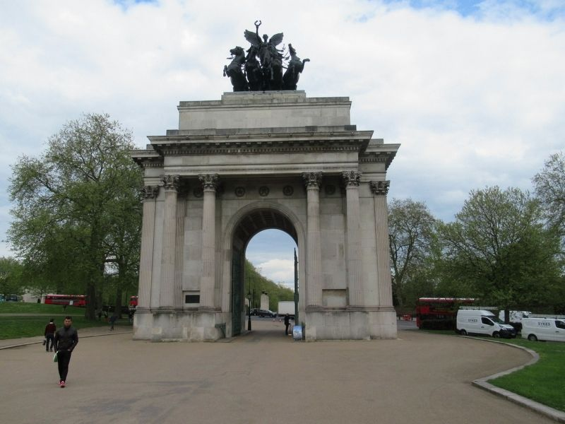 Wellington Arch Marker image. Click for full size.