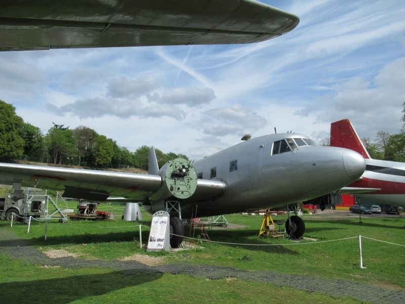 Vickers VC.1 Viking  G-AGRU image. Click for full size.