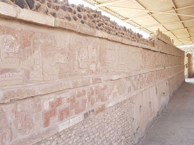 Coatepantli (Wall of Snakes) image. Click for full size.
