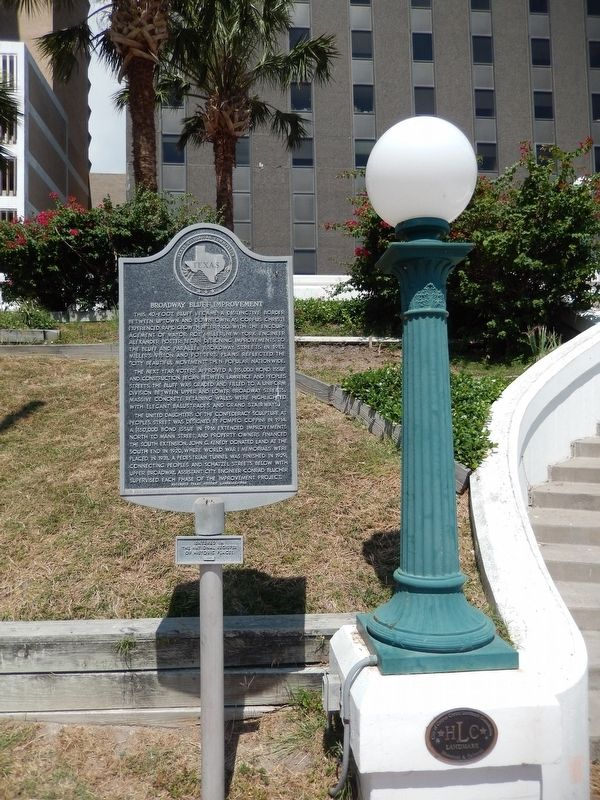 Broadway Bluff Improvement Marker (<i>tall view; w/National Register of Historic Places plaque</i>) image. Click for full size.