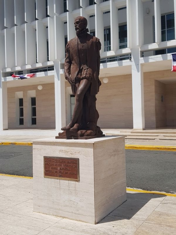 A statue of Miguel Cervantes, some meters to the east of the marker image. Click for full size.