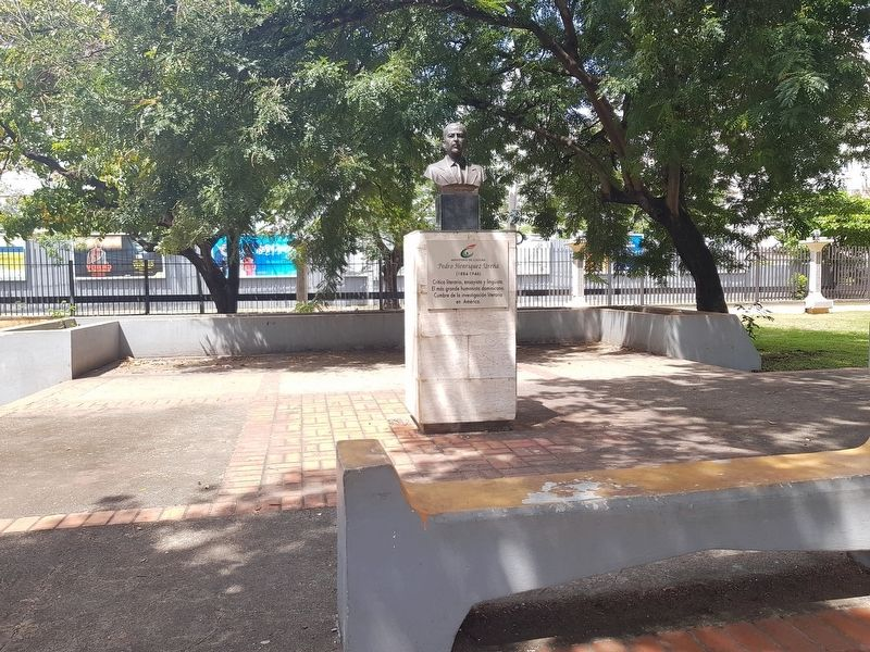 Pedro Henríquez Ureña Marker and Monument image. Click for full size.