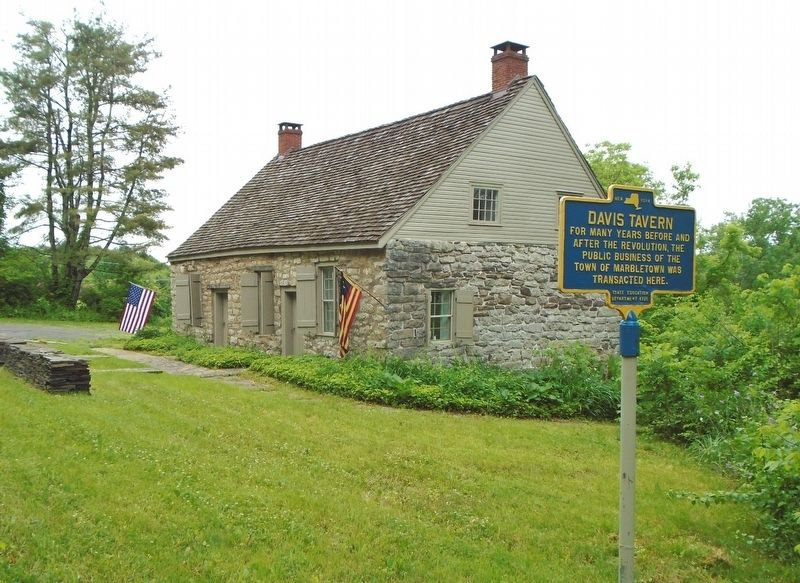 Davis Tavern and Marker image. Click for full size.