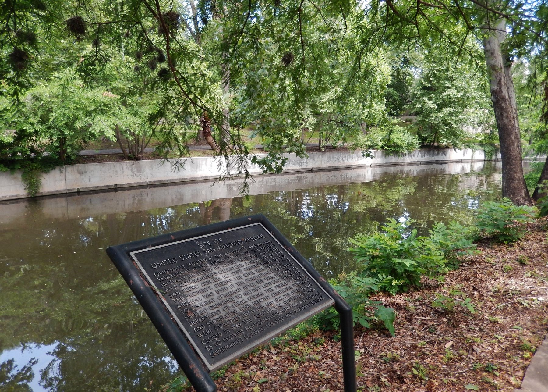 Site of United States San Antonio Arsenal Marker (<i>wide view north along San Antonio River </i>) image. Click for full size.